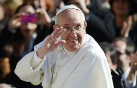 'Cool Pope' Espouses Liberal Thoughts via New Twitter Handle