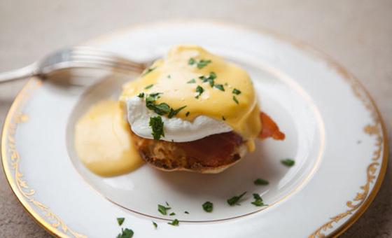 LP-eggs-benedict