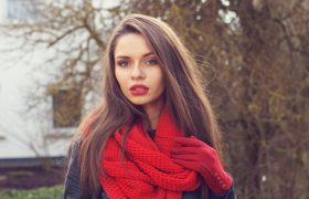 5 Ways To Fake Your Way Around an Infinity Scarf