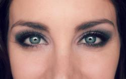 Smokey Eyes - Reductress