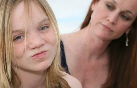 Mommy Blogger Fed Up with Boring Family