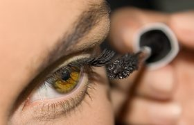 Mascara Tricks That Are Also Magic Tricks