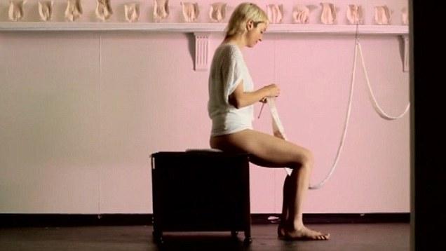 Woman knitting Vagina