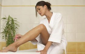 5 Ways to Trick Yourself into Shaving Your Legs