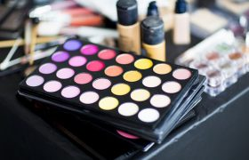 Take a Peek Inside the Makeup Bag of a Recently Deceased Pro Stylist!