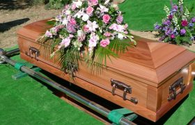 5 People Who Know You Farted at Nana's Funeral