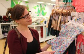 Saleswoman Guesses Bra Size Correctly Like Some Kind Of Fucking Wizard