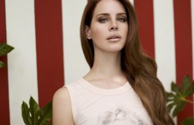 6 Weeping Willows To Linger Under While You Wait For Lana Del Rey's 'Honeymoon'