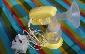 How to Use a Breast Pump to Pick Up Little Bugs and Trap Them Inside