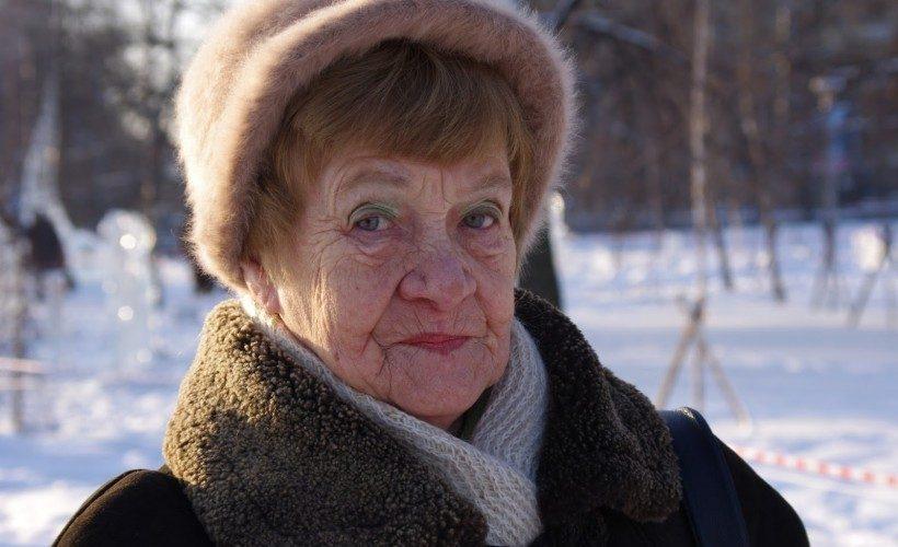 grandma hat makeup
