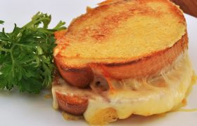4 Tasty Vegetarian Dishes That Are Just Grilled Cheese Again