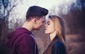 5 Kissing Techniques to Show Him You've Totally Moved On