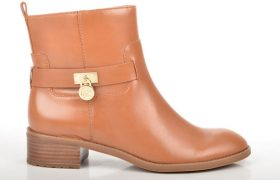 5 Pairs of Brown Leather Ankle Boots That Look Exactly the Same