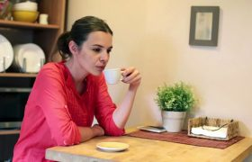 Woman Spends Entire Trip Home for the Holidays Being Hurt by Hypothetical Conversations With Relatives