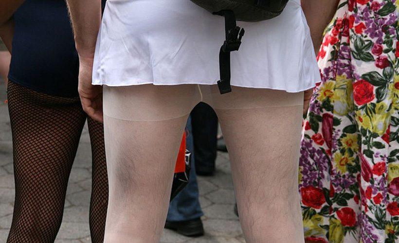 saggy tights