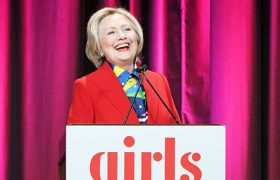 4 Recent Hillary Outfits That Say 'LOL Fuck You Guys'