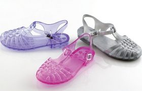 5 Jelly Sandals That Prove You Miss The 90s More Than All The Other Bitches