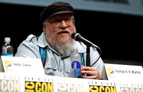 Missed Out On Comic-Con? You Can Still Stand Between Two Men Arguing About Sigils