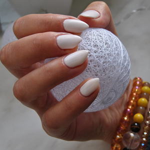 Reductress 4 acrylic nail looks that will make up for you not sharp nails will sort of work as self defense tools too here are four gorgeous nail looks that will make up for what you missed solutioingenieria Gallery