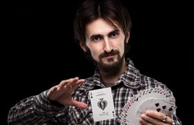 Amazing! This Street Magician Is Also Polyamorous
