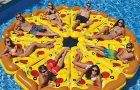 6 Oversized Inflatable Rafts That Would Be So Fun If You Had a Pool or Friends