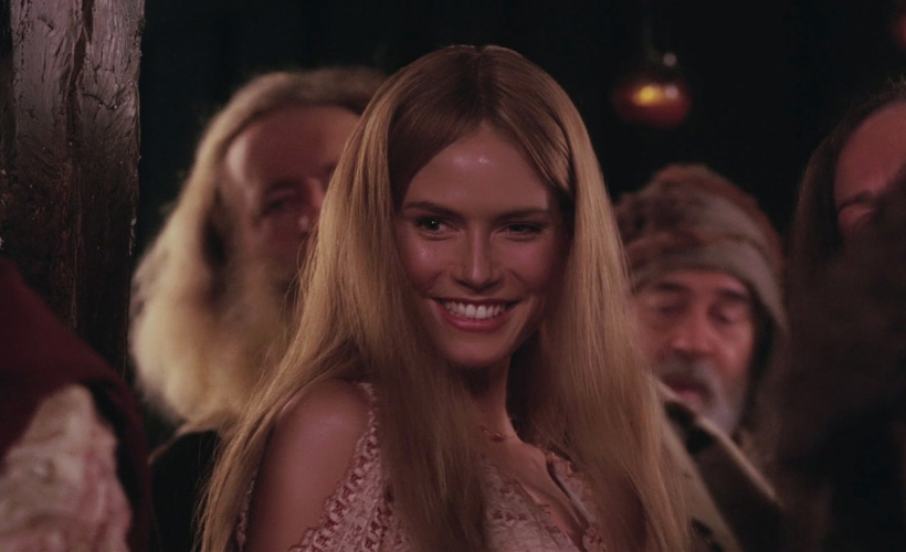 How To Smile Even Though Heidi Klum Played a Hot Giant in Ella Enchanted in 2004