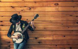 man-playing-a-banjo